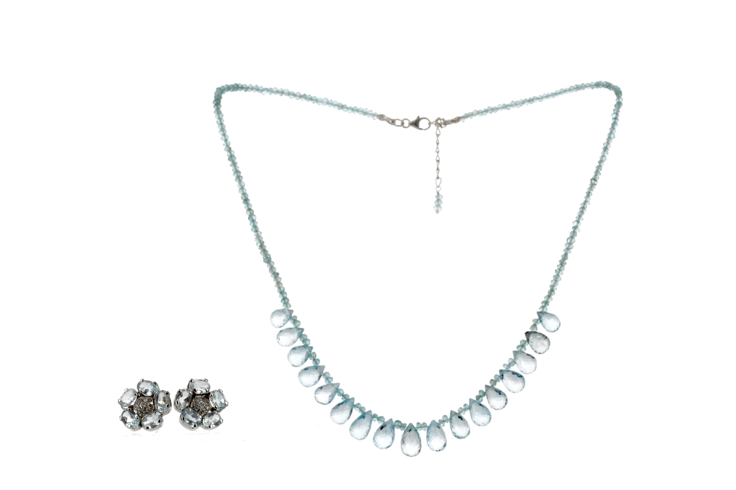 A BLUE TOPAZ NECKLACE AND EARRINGS