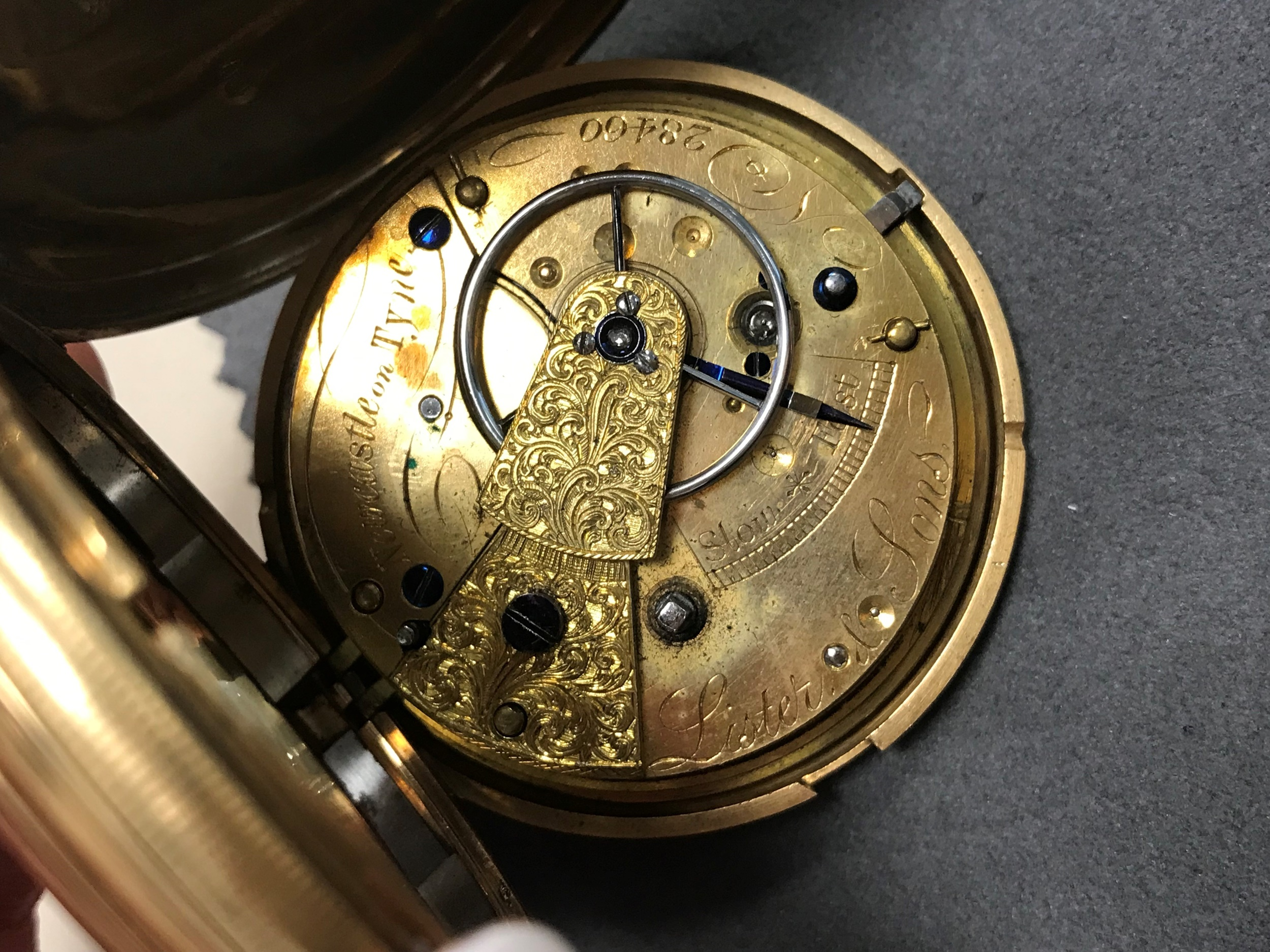 EIGHTEEN CARAT GOLD FULL HUNTER POCKET WATCH, the round white dial with Roman hour markers, - Image 3 of 6