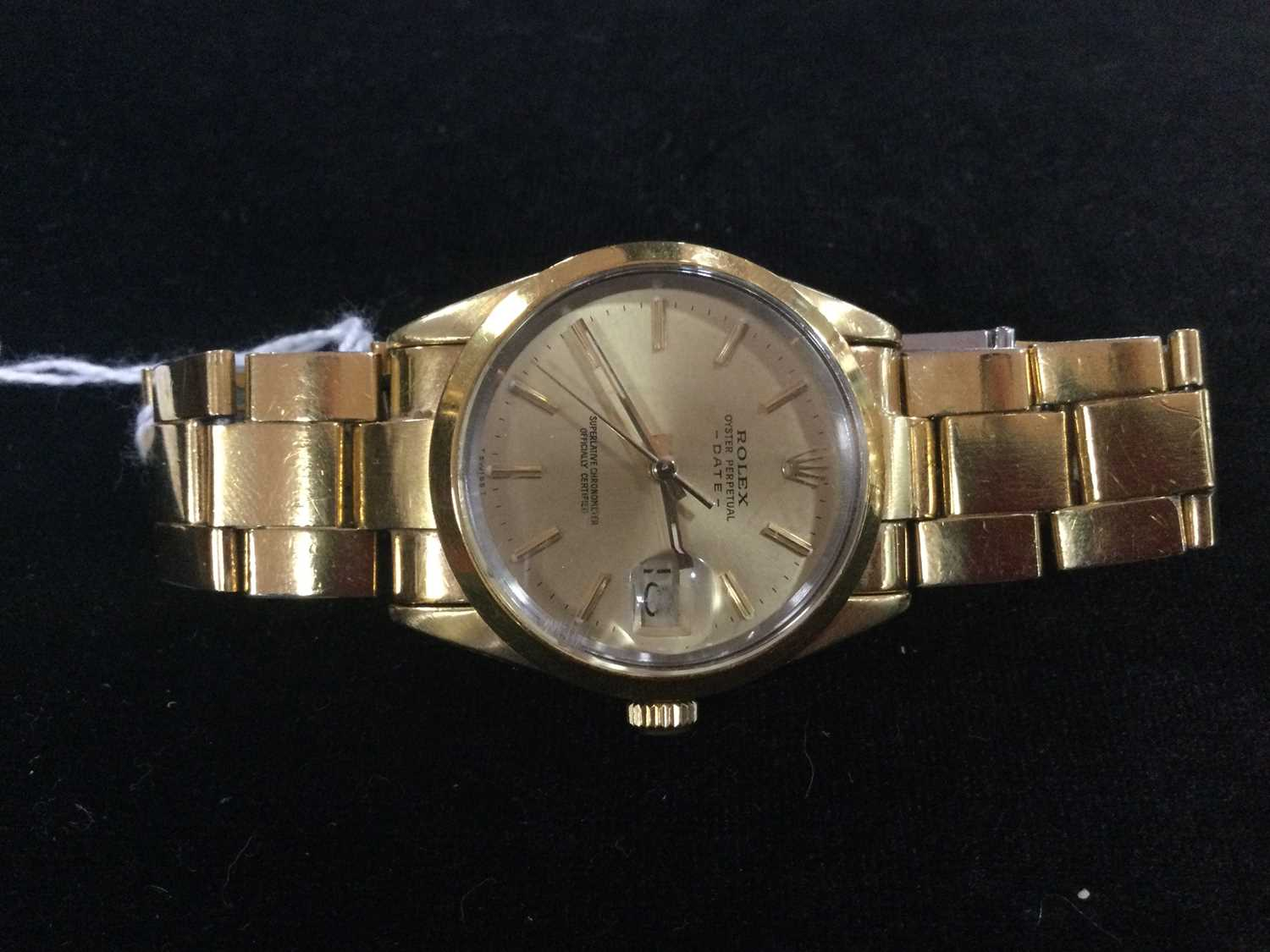 A GENTLEMAN'S ROLEX GOLD PLATED OYSTER PERPETUAL DATE AUTOMATIC WRISTWATCH - Image 11 of 13