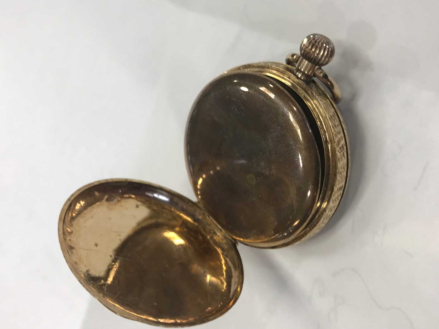 A GOLD CASED OPEN FACE FOB WATCH - Image 6 of 6