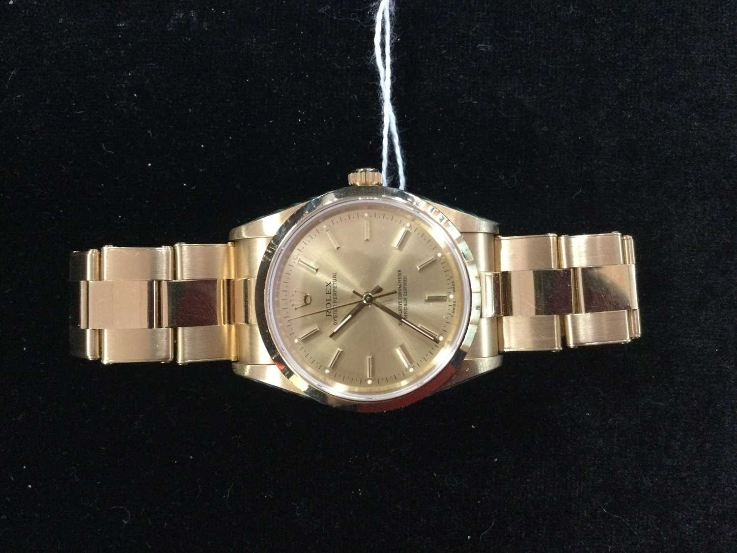 A GENTLEMAN'S ROLEX OYSTER PERPETUAL EIGHTEEN CARAT GOLD AUTOMATIC WRIST WATCH - Image 8 of 9