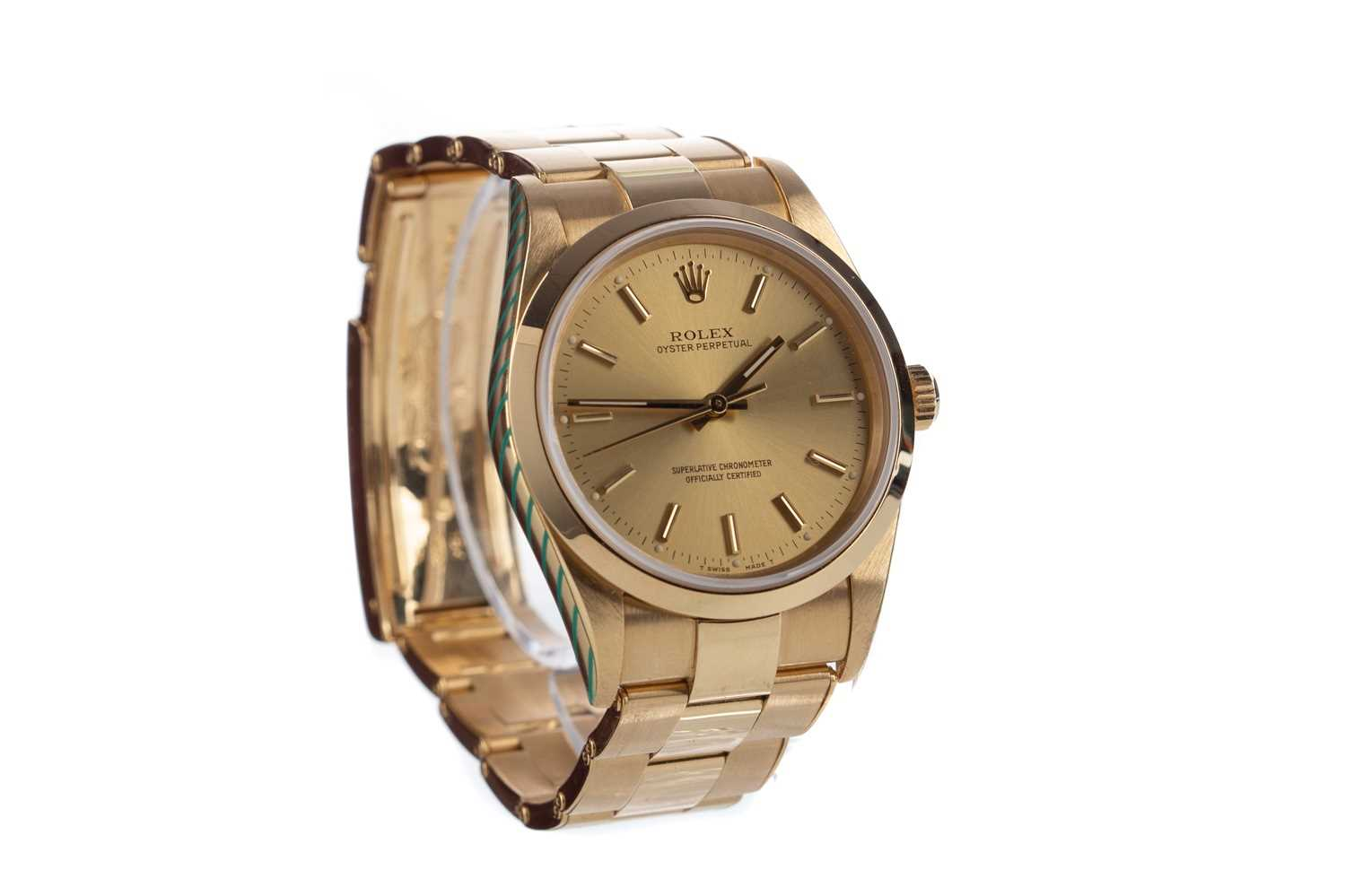 A GENTLEMAN'S ROLEX OYSTER PERPETUAL EIGHTEEN CARAT GOLD AUTOMATIC WRIST WATCH - Image 2 of 9