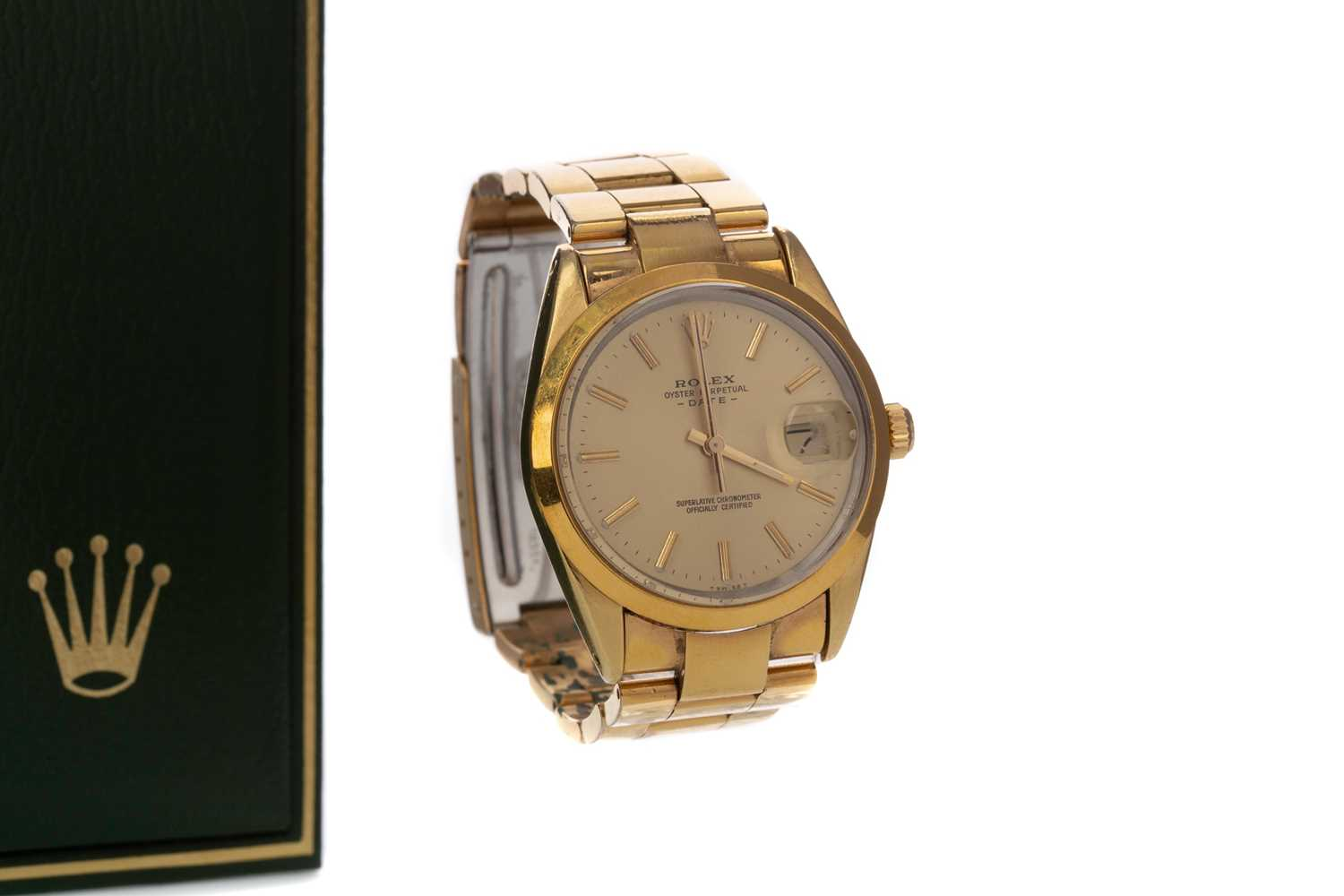 A GENTLEMAN'S ROLEX GOLD PLATED OYSTER PERPETUAL DATE AUTOMATIC WRISTWATCH