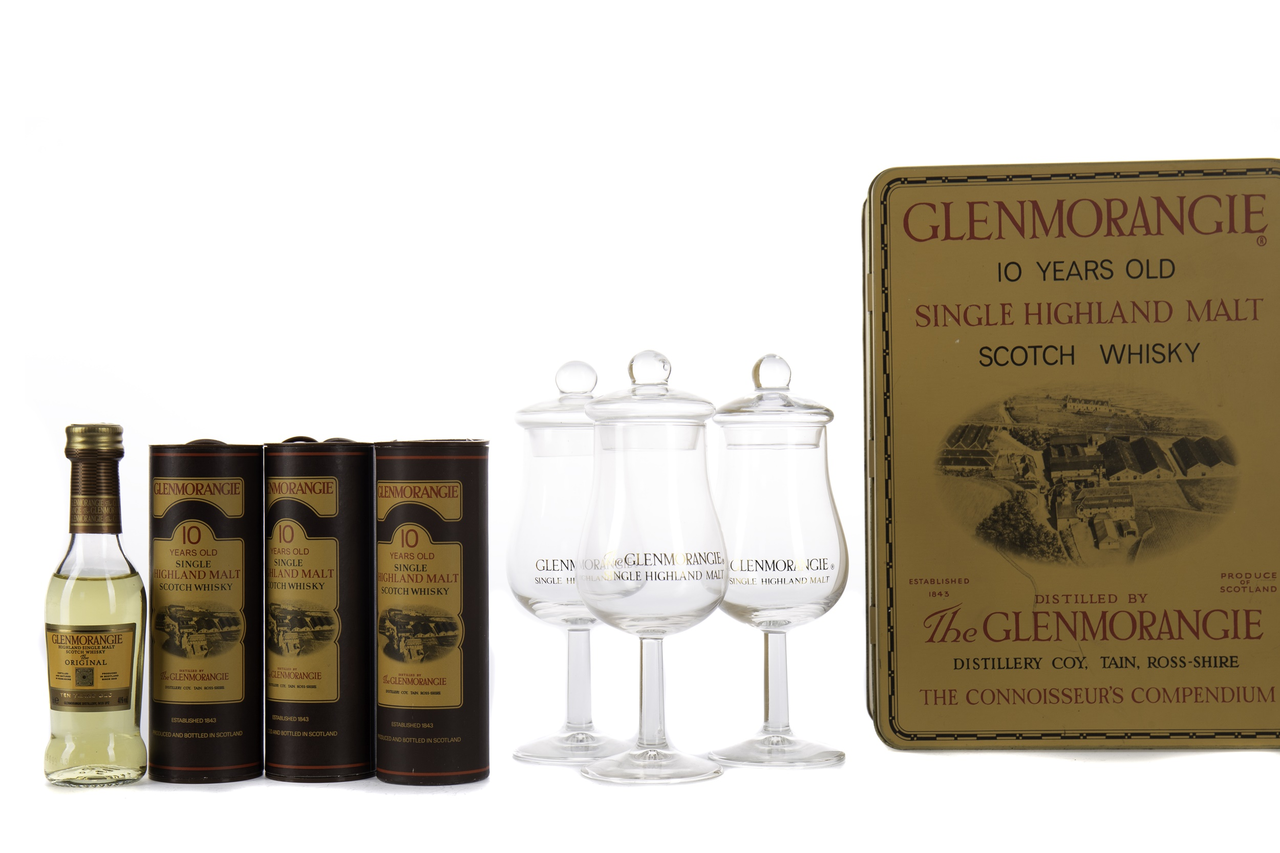 FOUR GLENMORANGIE 10 YEARS OLD MINIATURES AND FOUR GLENMORANGIE STEMMED GLASSES