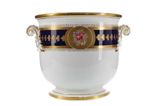 A MID-19TH CENTURY CONTINENTAL PORCELAIN WINE COOLER