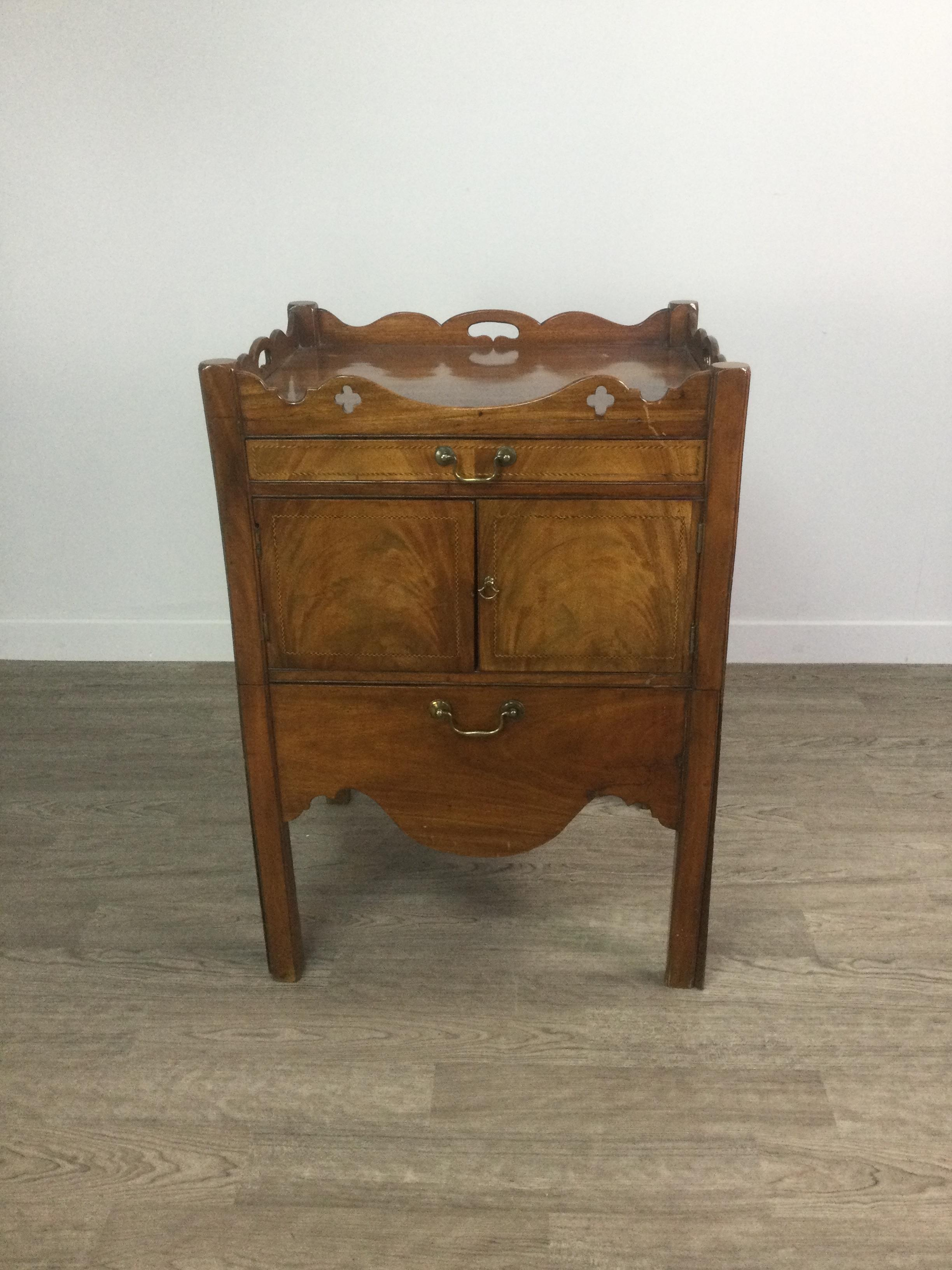 A 19TH CENTURY MAHOGANY TRAY TOP BEDSIDE COMMODE - Image 4 of 4