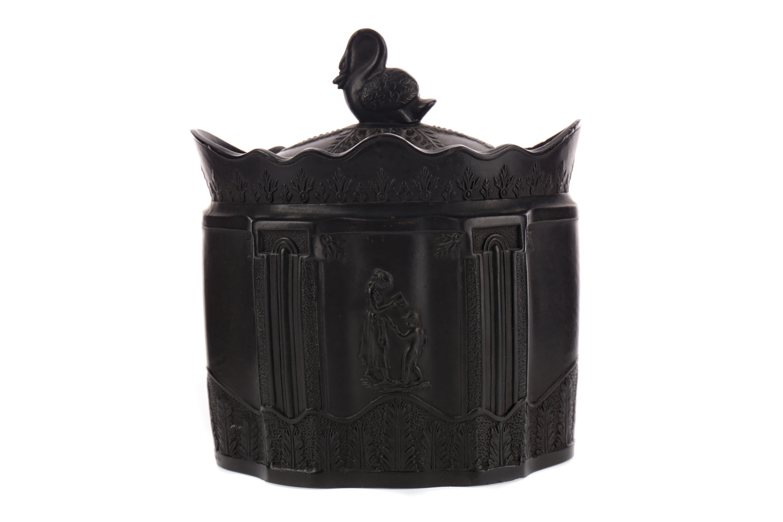 AN EARLY 19TH CENTURY EASTWOOD BLACK BASALT SUGAR BOWL AND COVER