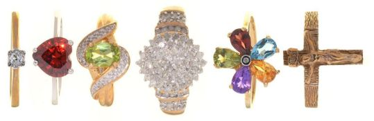 FIVE RINGS, VARIOUSLY GEM SET IN GOLD AND A 9CT GOLD CRUCIFIX RING, 16.8G, SIZES N, P (6) Good