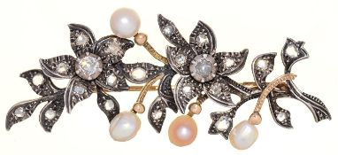 A NORTHERN EUROPEAN CULTURED PEARL AND DIAMOND SPRAY BROOCH, C1900, MOUNTED IN SILVER AND GOLD, 65MM