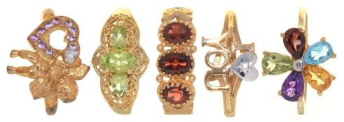 FIVE RINGS, VARIOUSLY GEM SET IN GOLD, 11G, SIZE P Good condition
