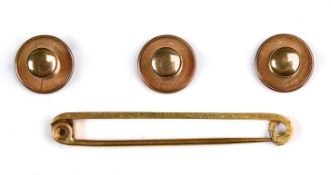 A SET OF THREE GOLD DRESS STUDS, MARKED 9CT, 1.8G Some wear