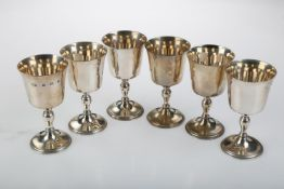 A SET OF SIX ELIZABETH II SILVER GOBLETS ON BALUSTER STEM AND FLARED FOOT, 98CM H, BY T HILL,