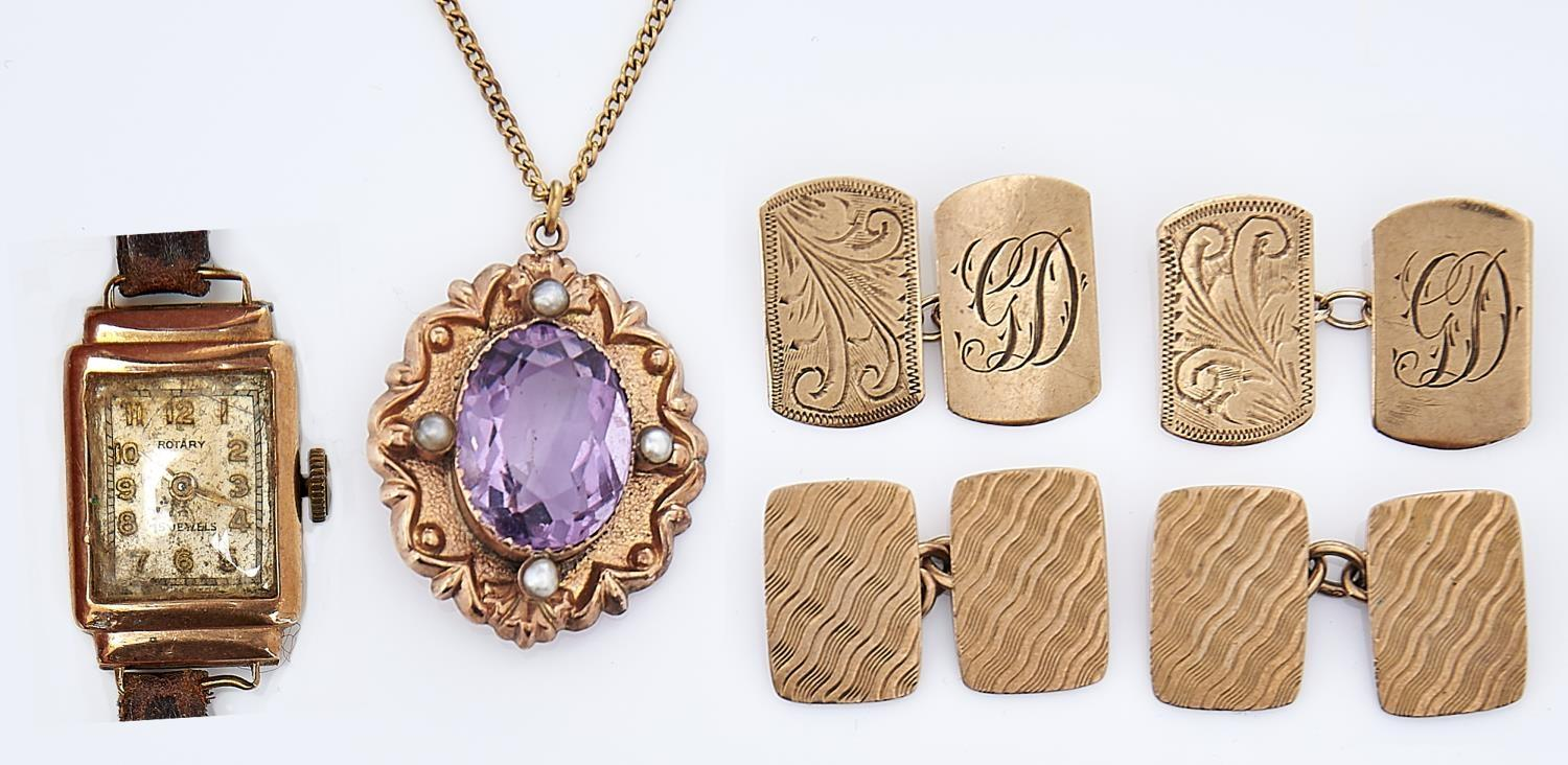 MISCELLANEOUS GOLD JEWELLERY, COMPRISING AN AMETHYST AND SPLIT PEARL PENDANT MARKED 9CT, TWO PAIRS