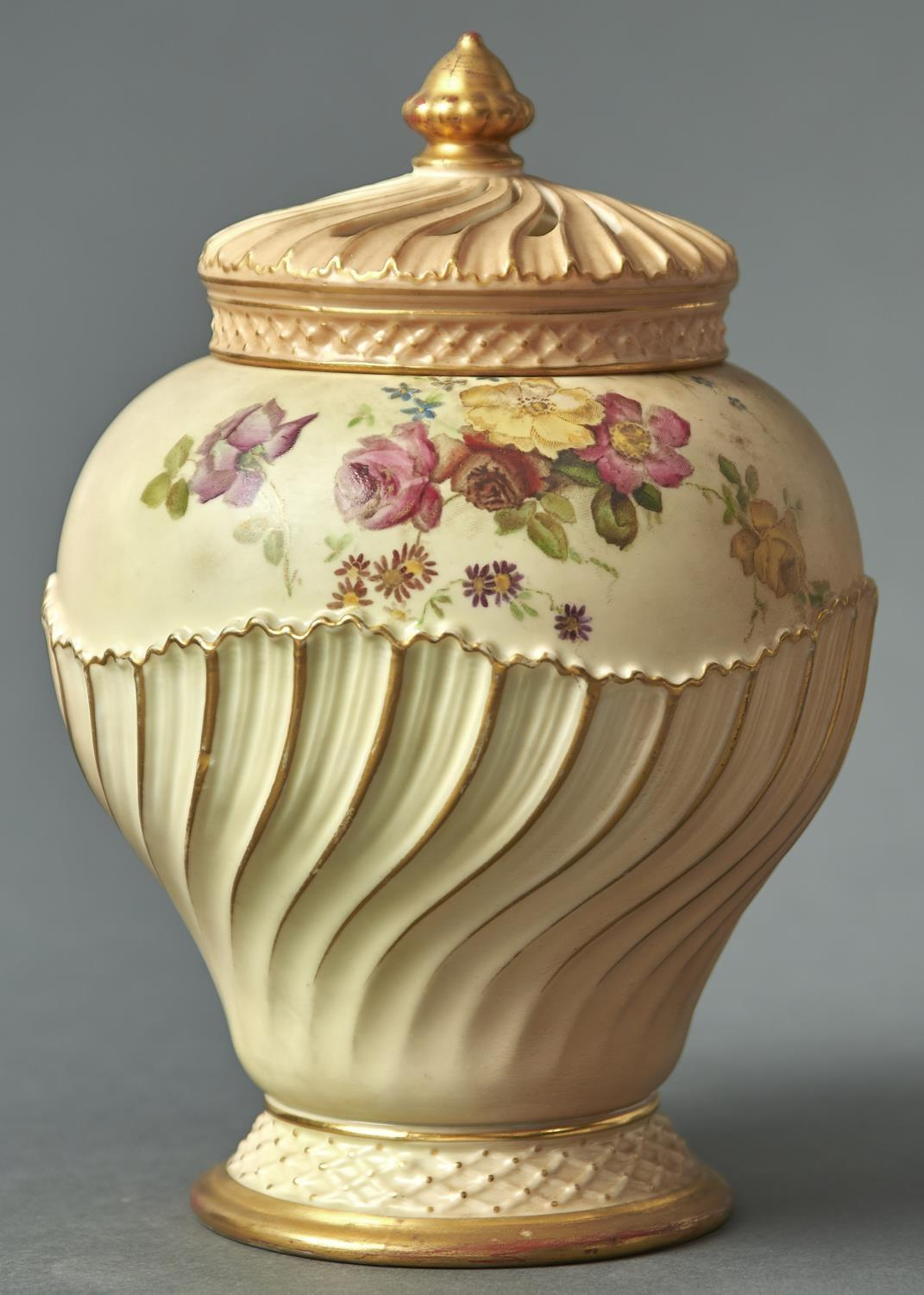 A ROYAL WORCESTER WRYTHEN FLUTED OGEE ROSE JAR AND COVER, 1895,  PRINTED AND PAINTED WITH