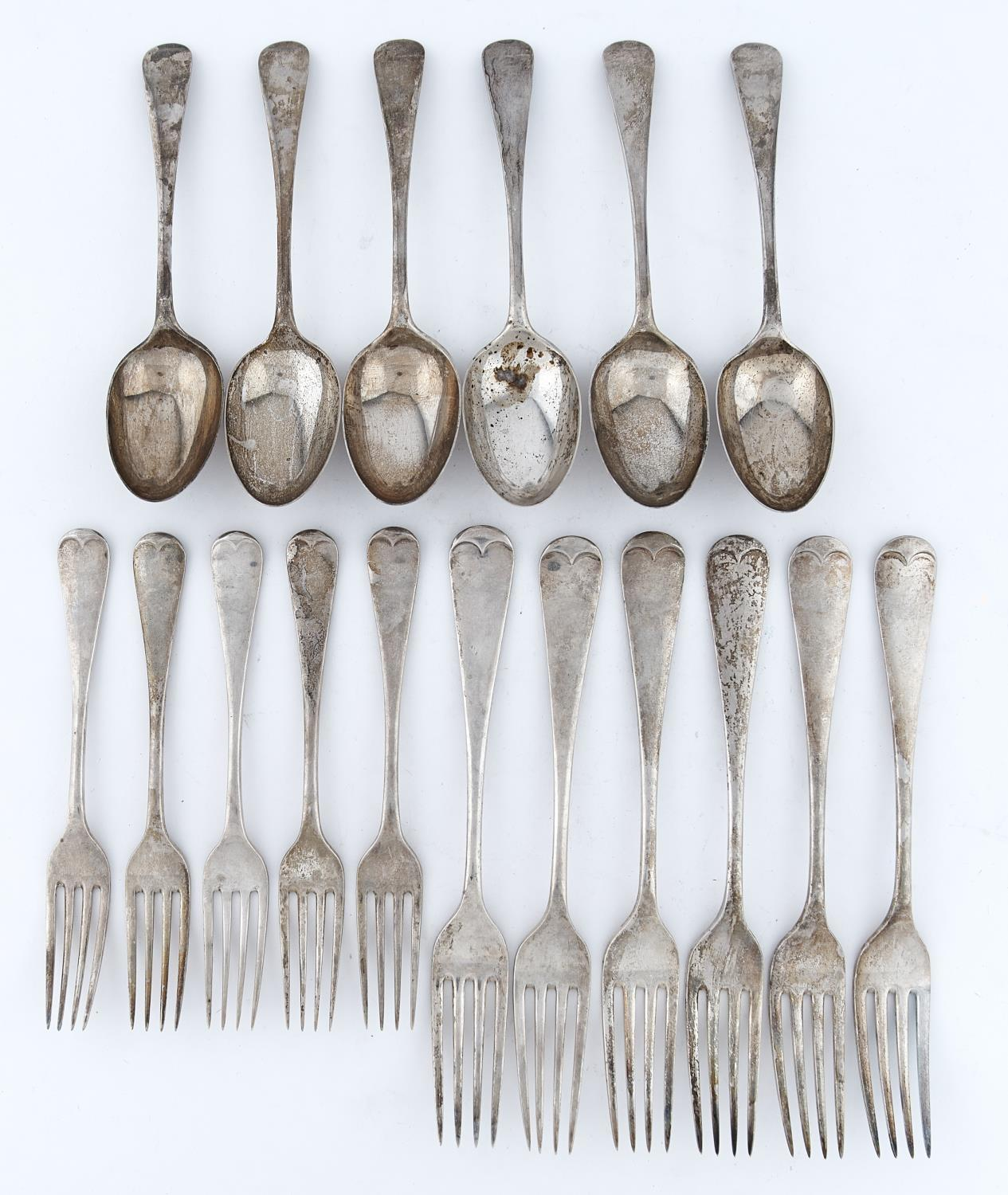 A GEORGE V TABLE SERVICE, OLD ENGLISH PATTERN, COMPRISING SIX TABLE FORKS, FIVE DESSERT FORKS, SIX