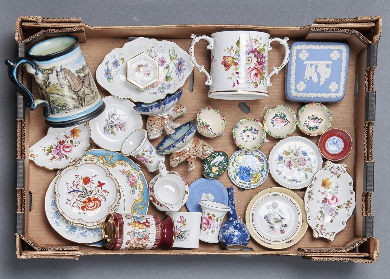 A QUANTITY OF DECORATIVE CERAMICS, INCLUDING HAMMERSLEY TWO HANDLED CYLINDRICAL MUG, TWO ROYAL CROWN