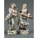 A PAIR OF VOLKSTEDT FIGURES OF MUSICIANS, LATE 19TH C, ATTIRED IN 18TH C DRESS AND PLAYING THE