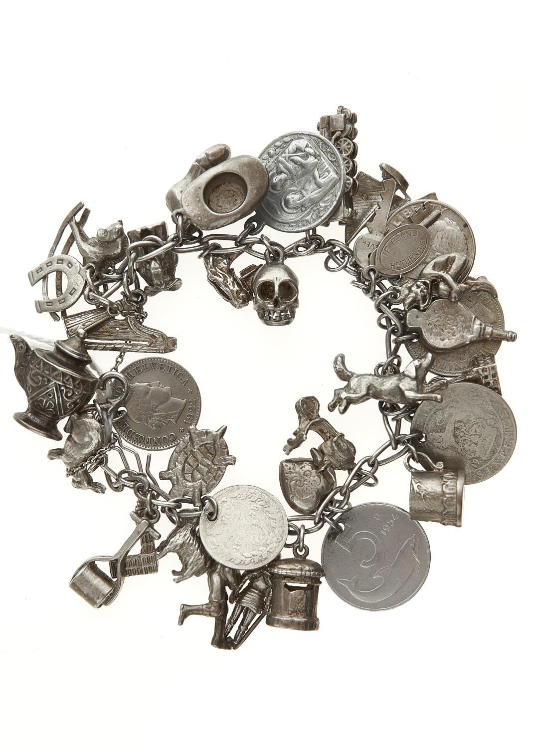 A SILVER CHARM BRACELET, APPROX 18CM L, 17.5G LIGHT WEAR