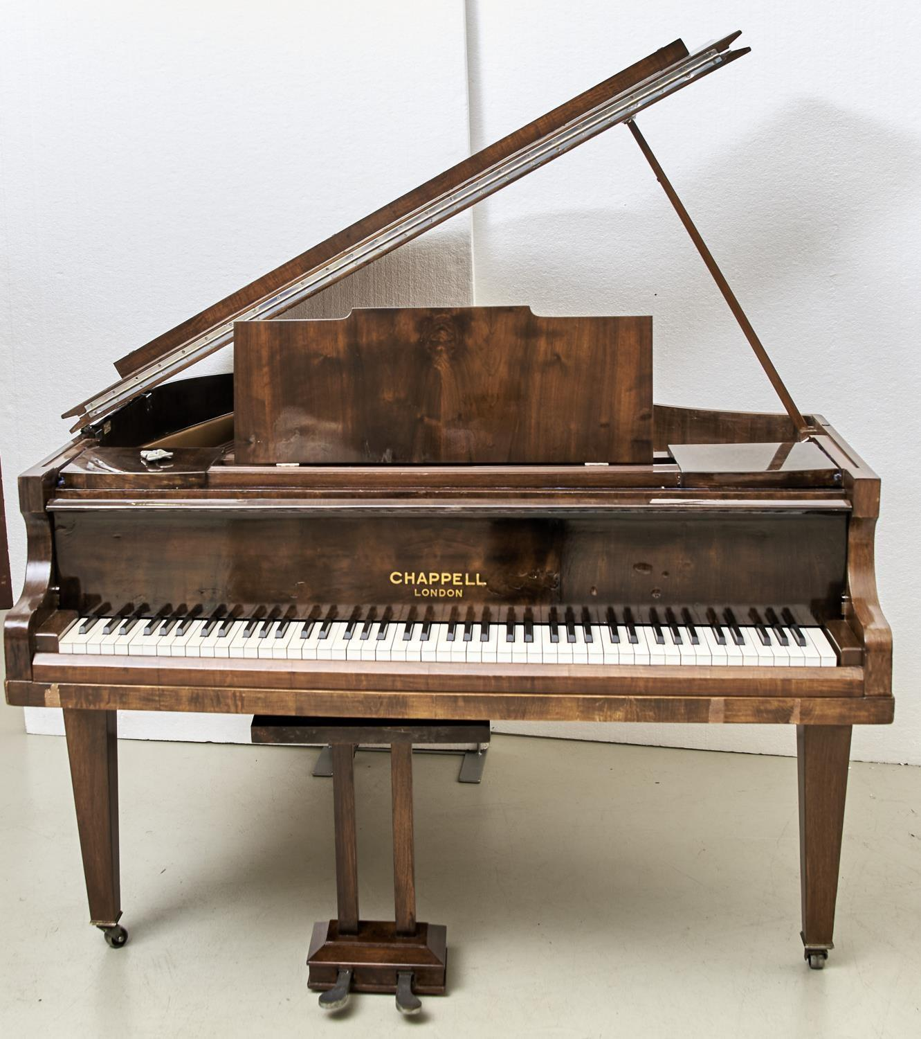 """A 4' 6"""" CHAPPELL GRAND PIANO, IN WALNUT CASE Veneers faulty - Image 2 of 4"""