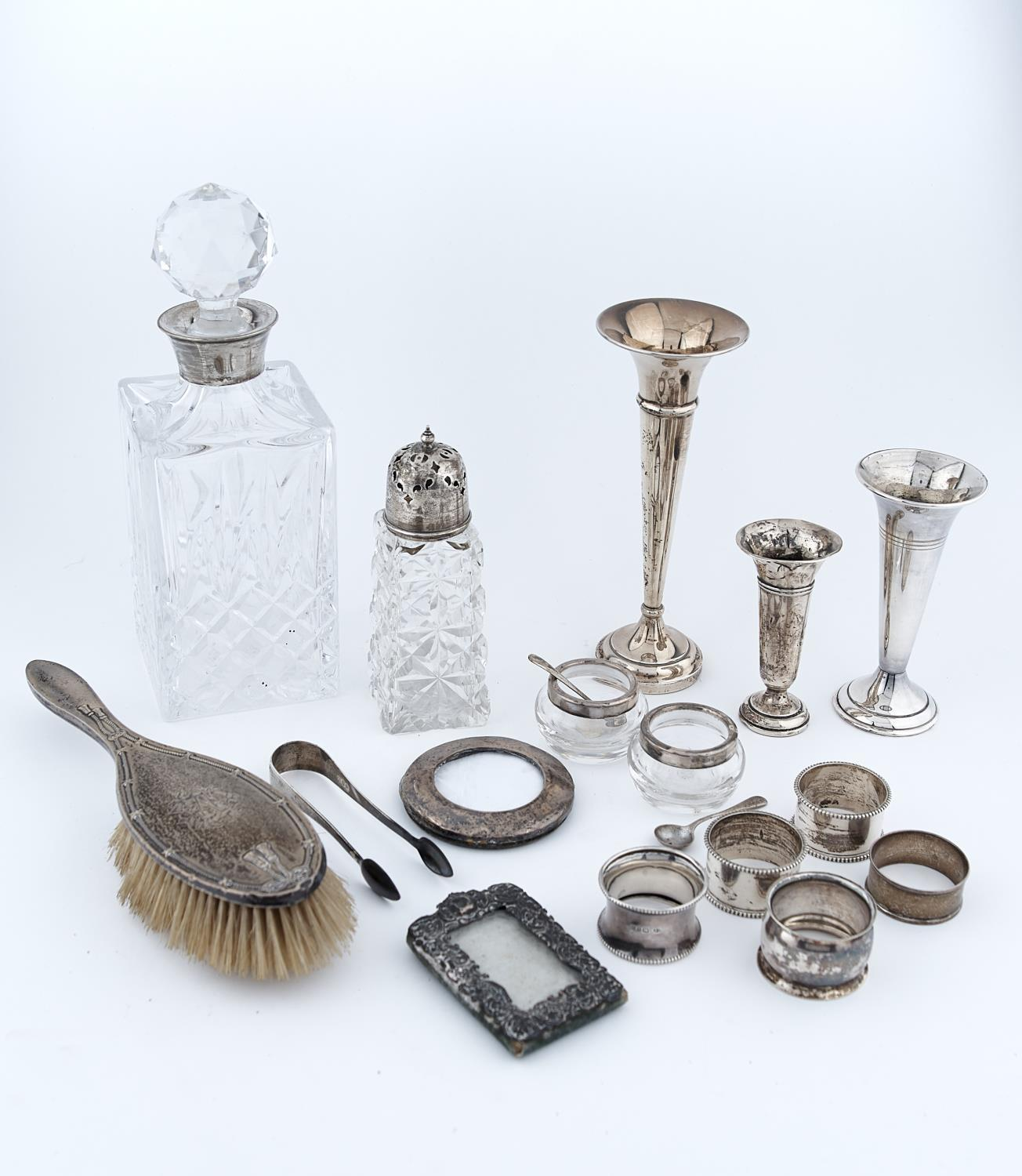 MISCELLANEOUS SILVER ARTICLES, TO INCLUDE A CUT GLASS SUGAR CASTER AND SILVER COVER, A DECANTER