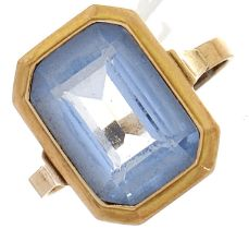 A blue stone ring, in gold, 3.1g, size N