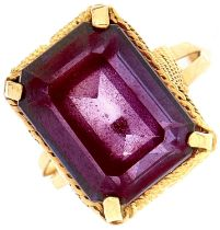 A synthetic colour change sapphire ring, in gold, 8.3g, size R