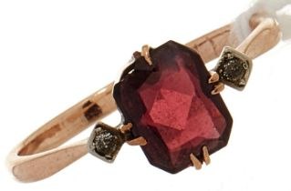A garnet and diamond ring, in gold marked 9ct, 1.0g, size p