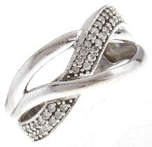 A diamond entwined ring, in 9ct white gold, 7.7g, size N Light wear srcatches