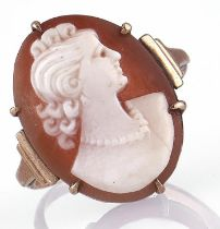 A cameo ring, in gold marked 9ct, 1.6g, size P Good condition