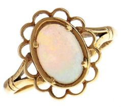 An opal ring, in 18ct gold, 3.9g, size Q½ Good condition