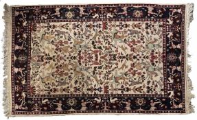 A hunting rug - 118 x 192cm