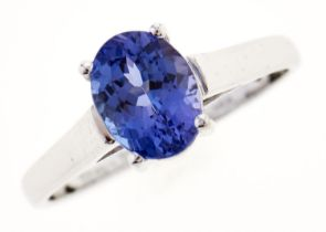 A tanzanite ring, in 14ct white gold, 2.2g, size O Good condition