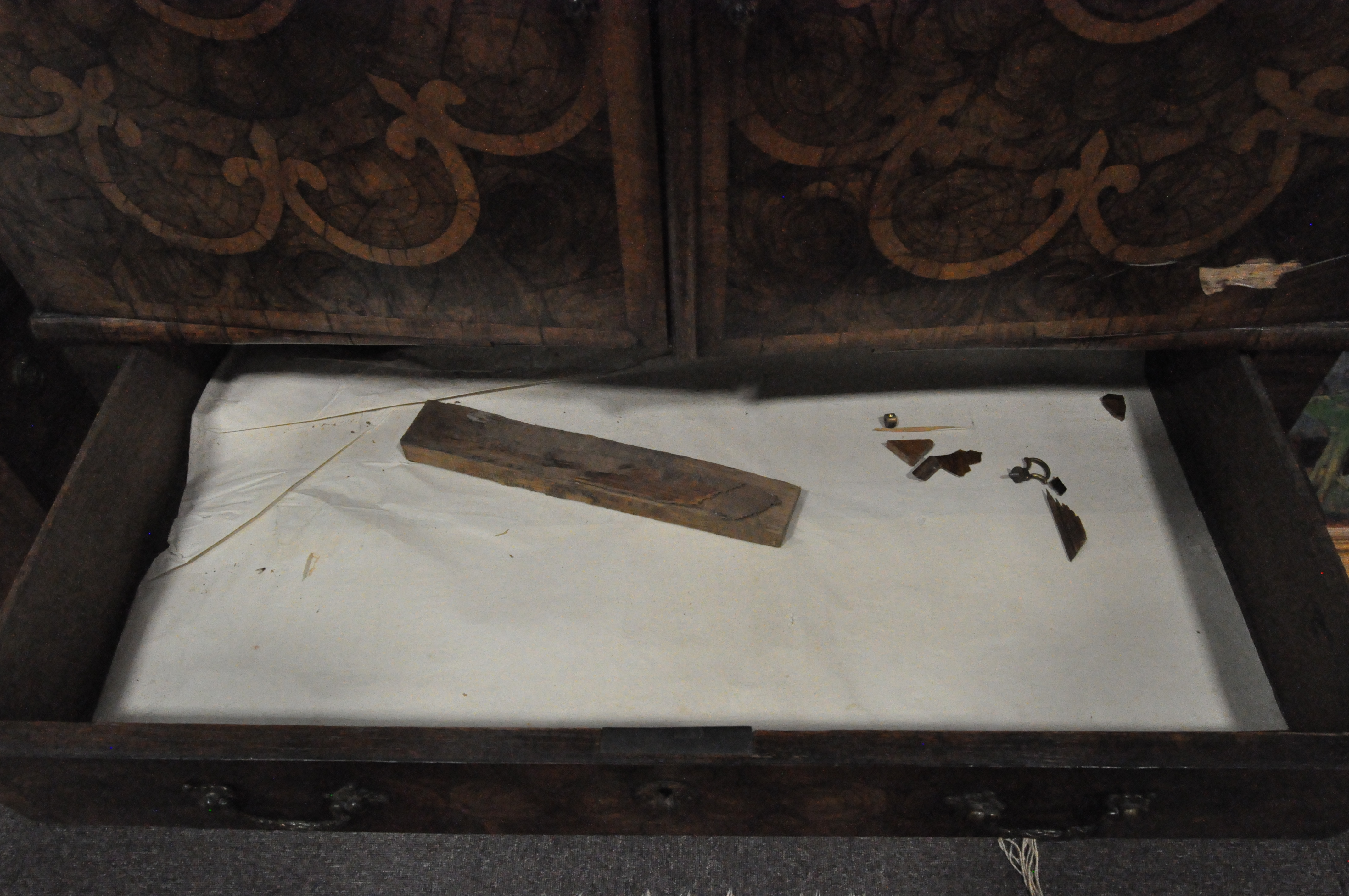 An oyster veneered cabinet on stand, 17th century style but later in date, - Image 10 of 18