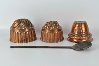 Three copper jelly moulds, of varying sizes, the largest 15cm diameter,