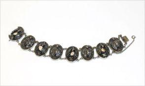 Silber Trachten-Armband mit plastischem Eichenlaub und Grandeln, 58 gr., L 19 cm