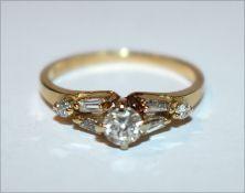 18 k Gelbgold Ring mit 7 Diamanten in verschiedenen Schliffformen, zus. ca. 0,7 ct., Gr. 53