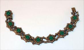 Silber/vergoldetes Armband mit 9 Jadesteinen, schöne Handarbeit, 21,3 gr., Gold teils berieben, L