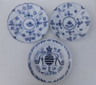 """A Meissen porcelain plate commemorating Albert of Saxony 1828-1898, 9.75"""" and two other Meissen"""