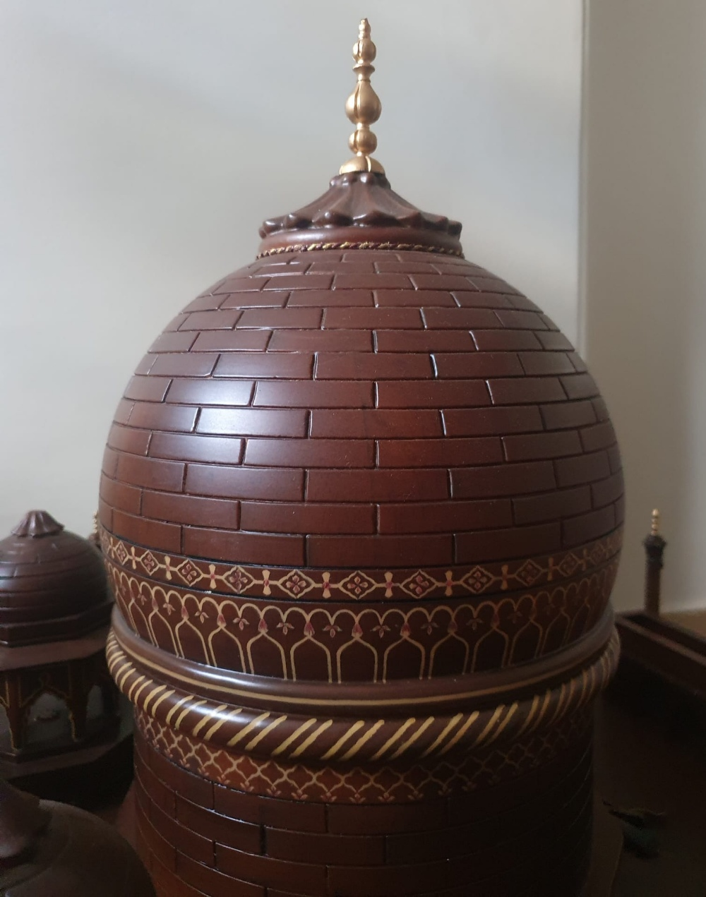 """A large wooden model of the Taj Mahal, Width 45"""", Height 32"""". Viewing by prior arrangement. - Image 6 of 8"""
