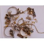 A small quantity of silver and other costume jewellery.
