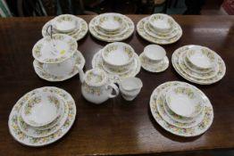 Colclough Hedgerow pattern dinner service +/- 40 pieces, dinner plates, bowls,teapot,