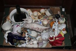 A box of miscellaneous china, to include