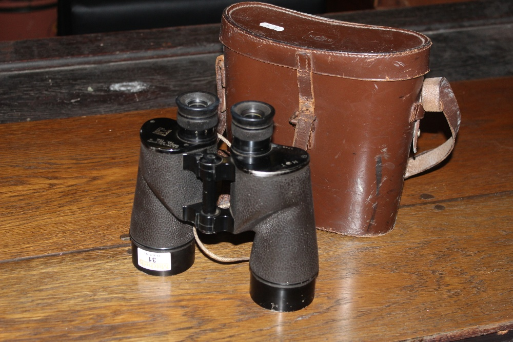 A pair of Bausch & Lomb mark 1 765 US Na