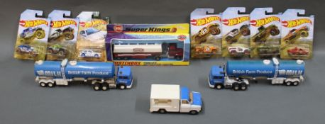 A mixed lot of diecast, comprising Matchbox Super Kings, Hot Wheels,