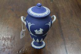 Wedgwood lidded vase (base & handle restored)