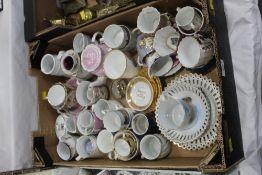 Box of commemorative and souvenir ware,