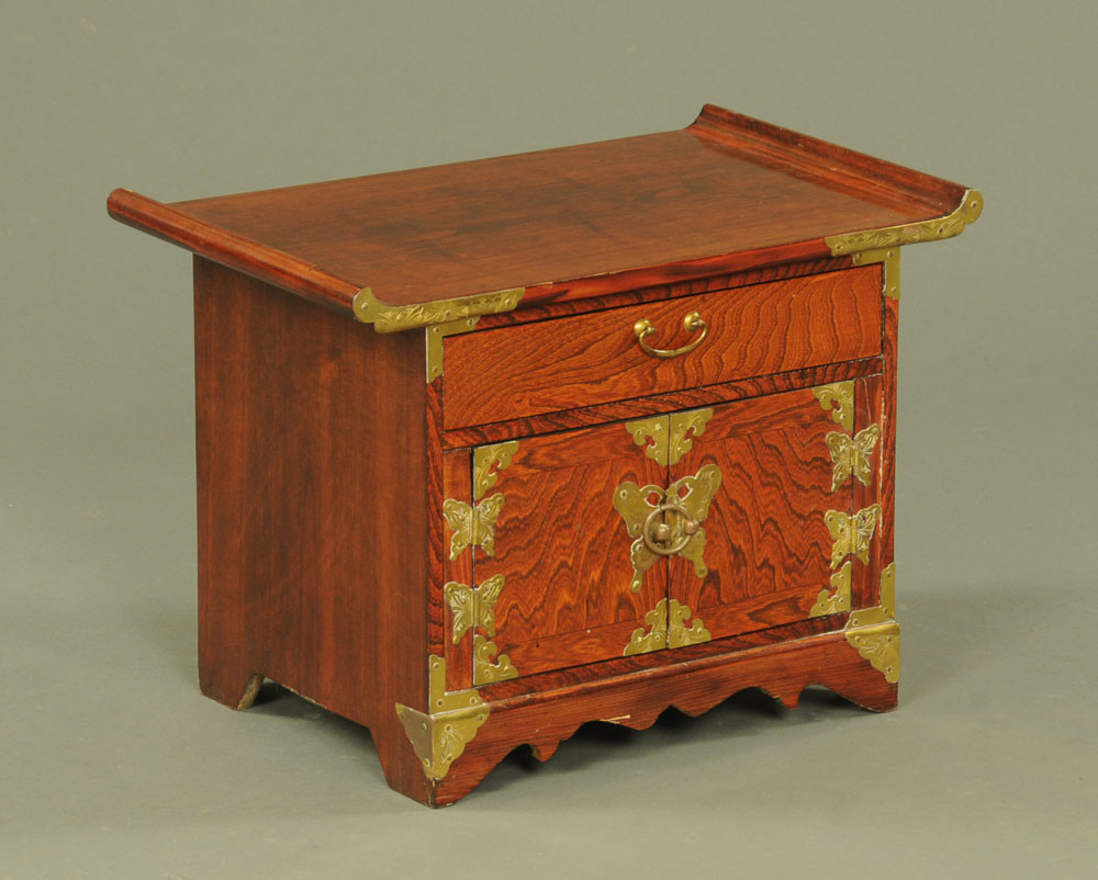 A Chinese tabletop cabinet,