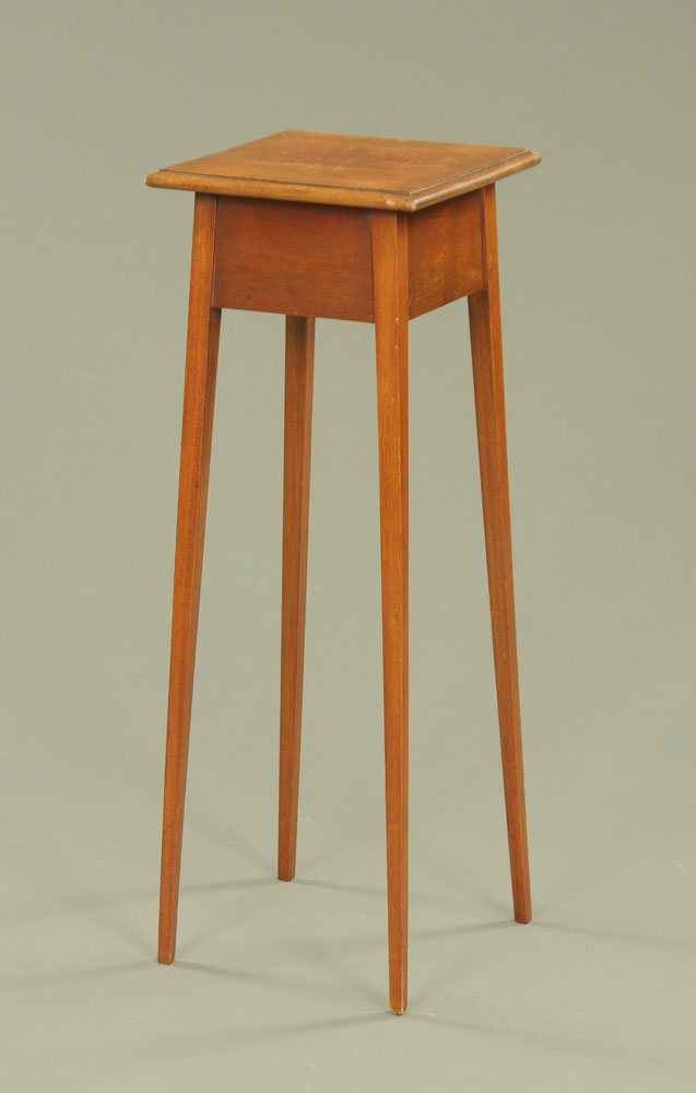 An Edwardian mahogany jardiniere stand, on square tapered legs, 86 cm high, 30 cm2.