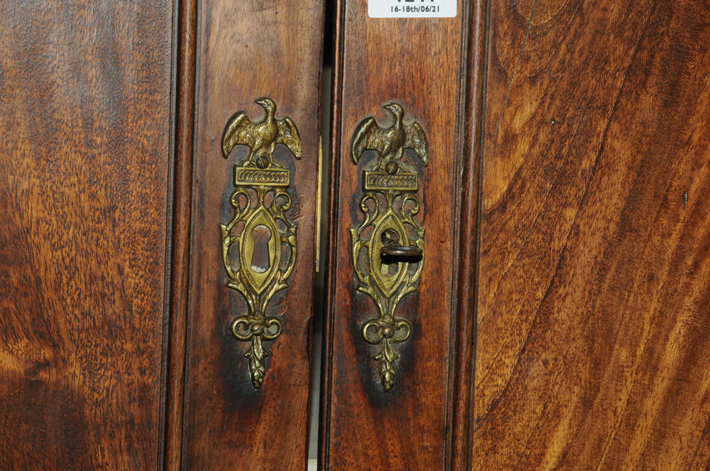 An early 19th century mahogany standing corner cupboard, - Image 7 of 13