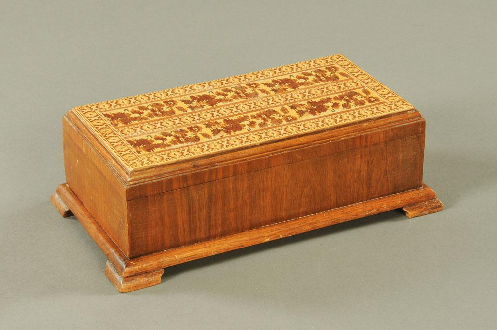A Len Garrett Tunbridge ware box. Height 10 cm, width 29 cm, depth 16.5 cm.